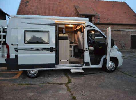 camping-car FONT VENDOME RANDO CAMP  intérieur  / coin cuisine