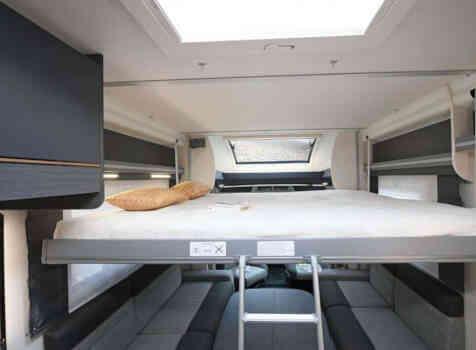 camping-car CHALLENGER QUARTZ 170   intérieur / couchage principal