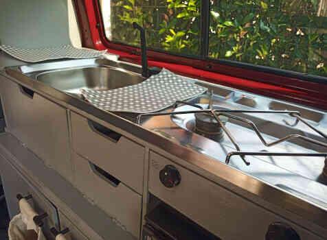 camping-car VOLKSWAGEN T4  intérieur  / coin cuisine