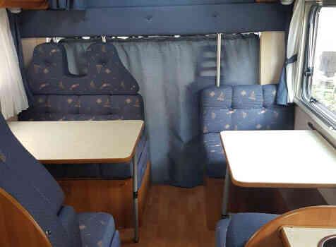 camping-car ROLLERTEAM GRANDUCA  intérieur / coin salon