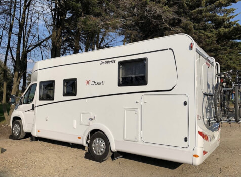 camping-car DETHLEFFS JUST 90 7052 DBL   extérieur / latéral gauche