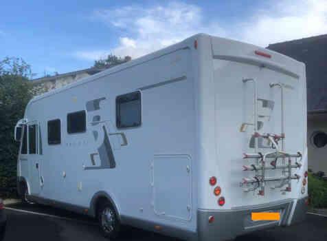 camping-car BAVARIA I 740 LC  extérieur / latéral droit
