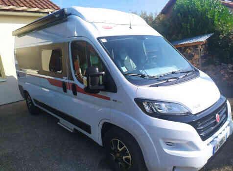 camping-car PILOTE V 600 G  extérieur / latéral droit
