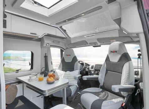 camping-car PILOTE V 600 G  intérieur / coin salon