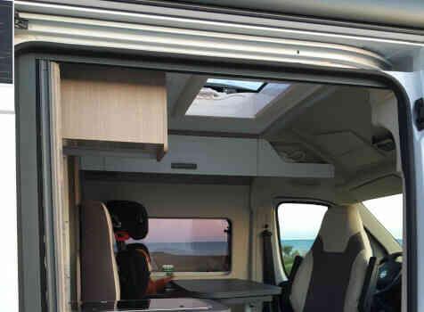 camping-car CHAUSSON TWIST V 594 MAX  intérieur / coin salon