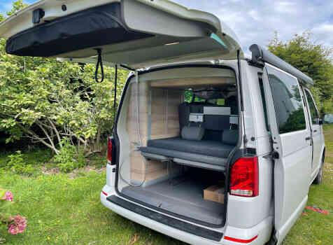 camping-car  VOLKSWAGEN CALIFORNIA  intérieur / couchage principal