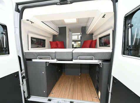 camping-car ELIOS 63 LB SKYLINE ELIOS SKYLINE  extérieur / arrière