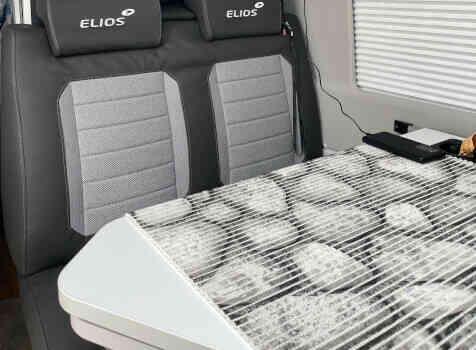 camping-car ELIOS 63 LB SKYLINE ELIOS SKYLINE  intérieur  / coin cuisine
