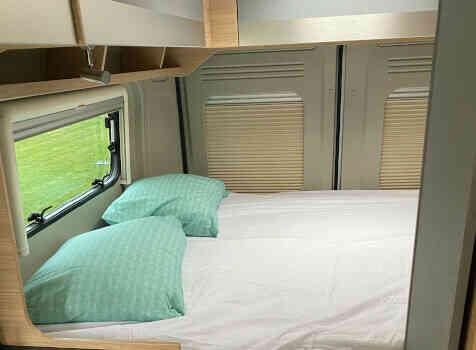 camping-car POSSL TRENTA 600   intérieur / couchage principal