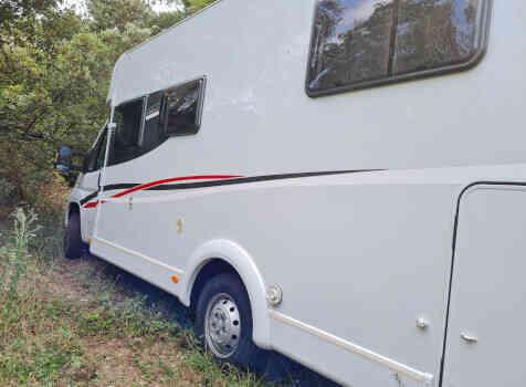 camping-car CAPRON SUNLIGHT  extérieur / latéral gauche