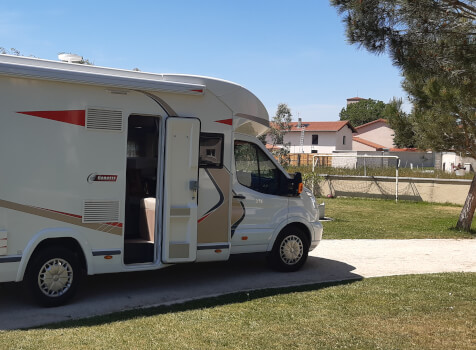 camping-car CHALLENGER GENESIS 296  extérieur / latéral droit