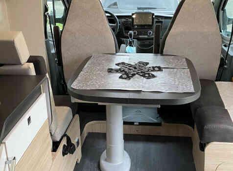 camping-car CHAUSSON 788 TITANIUM   intérieur / coin salon