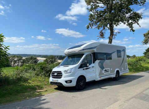 camping-car CHAUSSON 788 TITANIUM   extérieur / face avant