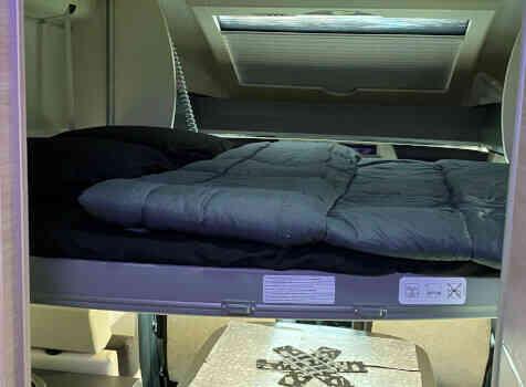 camping-car CHAUSSON 788 TITANIUM   intérieur / autre couchage