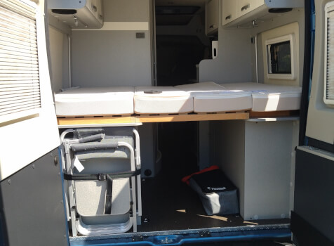 camping-car HYMER FREE 540 EVOLUTION  intérieur / couchage principal
