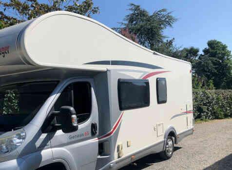 camping-car CHALLENGER GENESIS 65  extérieur / latéral gauche