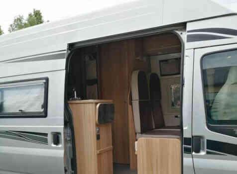camping-car FOND VENDOME FORTYVAN  extérieur / latéral gauche