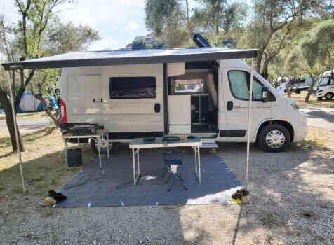 camping-car MC LOUIS  MENFYS 3 MAX PLUS  extérieur / latéral gauche
