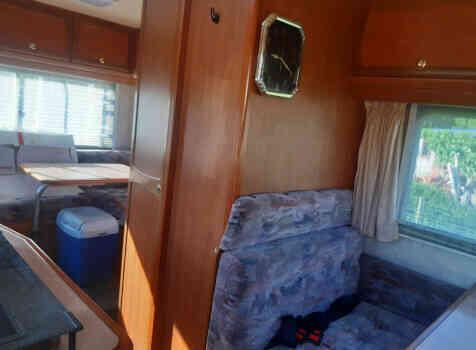 camping-car CHALLENGER FORD TRANSIT   intérieur / autre couchage