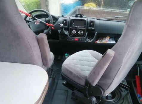 camping-car CARADO CLEVER 601  intérieur / coin salon