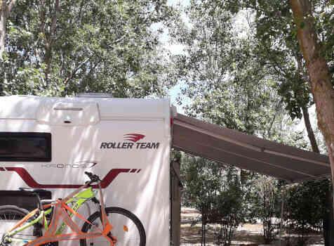camping-car ROLLER TEAM 277 M  extérieur / arrière