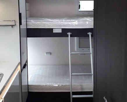 camping-car ROLLER TEAM 277 M  intérieur / autre couchage