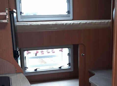 camping-car PILOTE A 710  intérieur / couchage principal