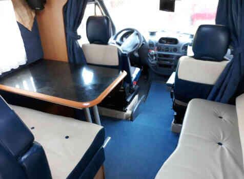 camping-car CI CYPRO 55  intérieur / coin salon