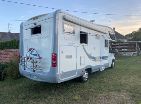 camping-car MC LOUIS TANDY  extérieur / latéral droit