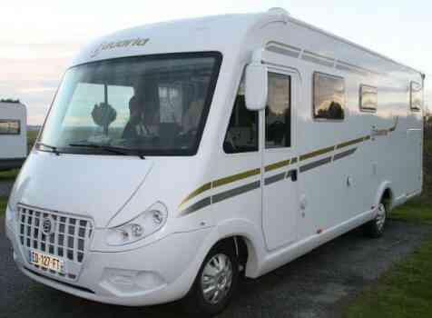 camping-car BAVARIA I 740 STYLE   extérieur / latéral droit