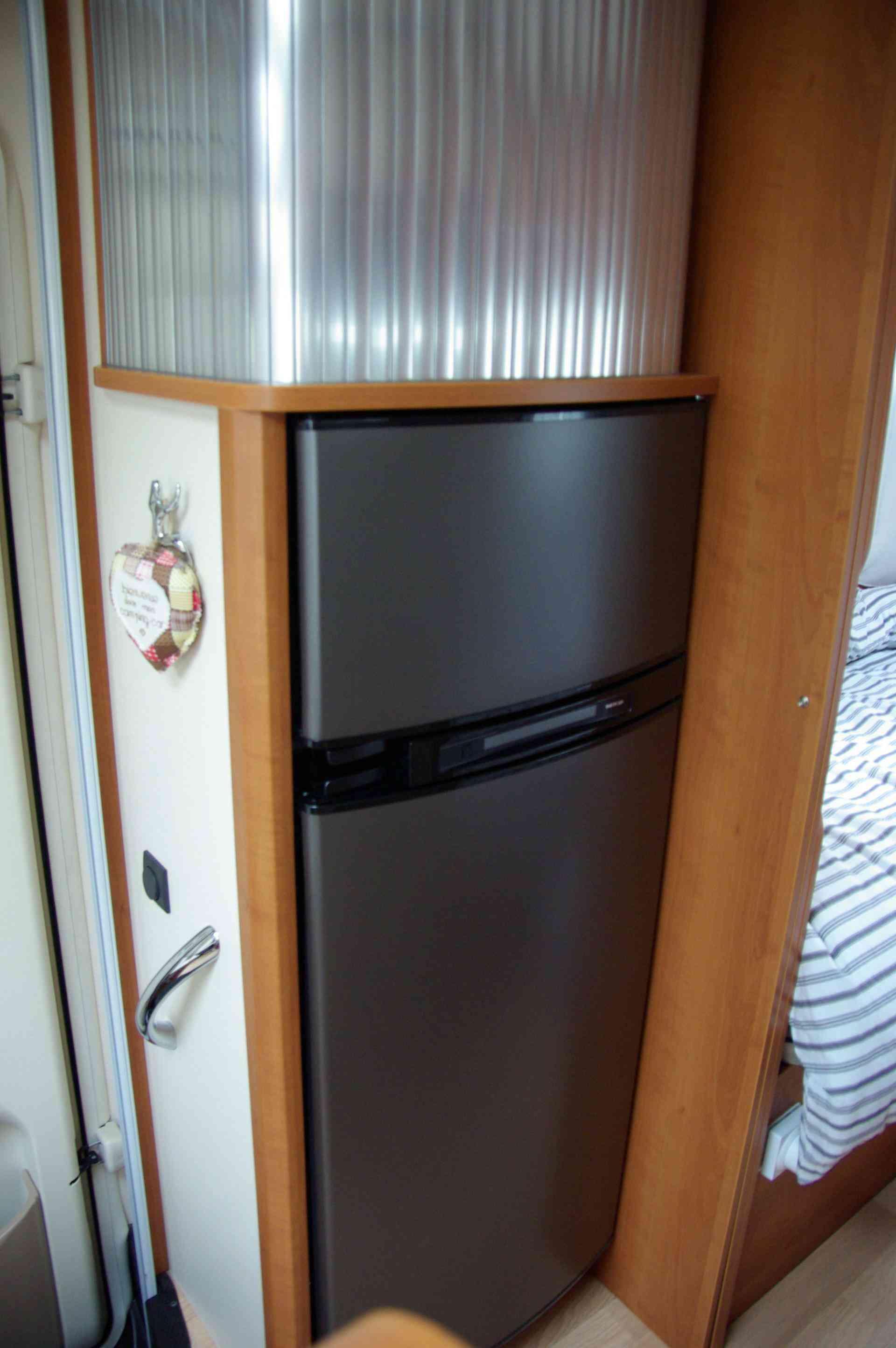 camping-car RAPIDO 665 F ALDE réfrigérateur congélateur