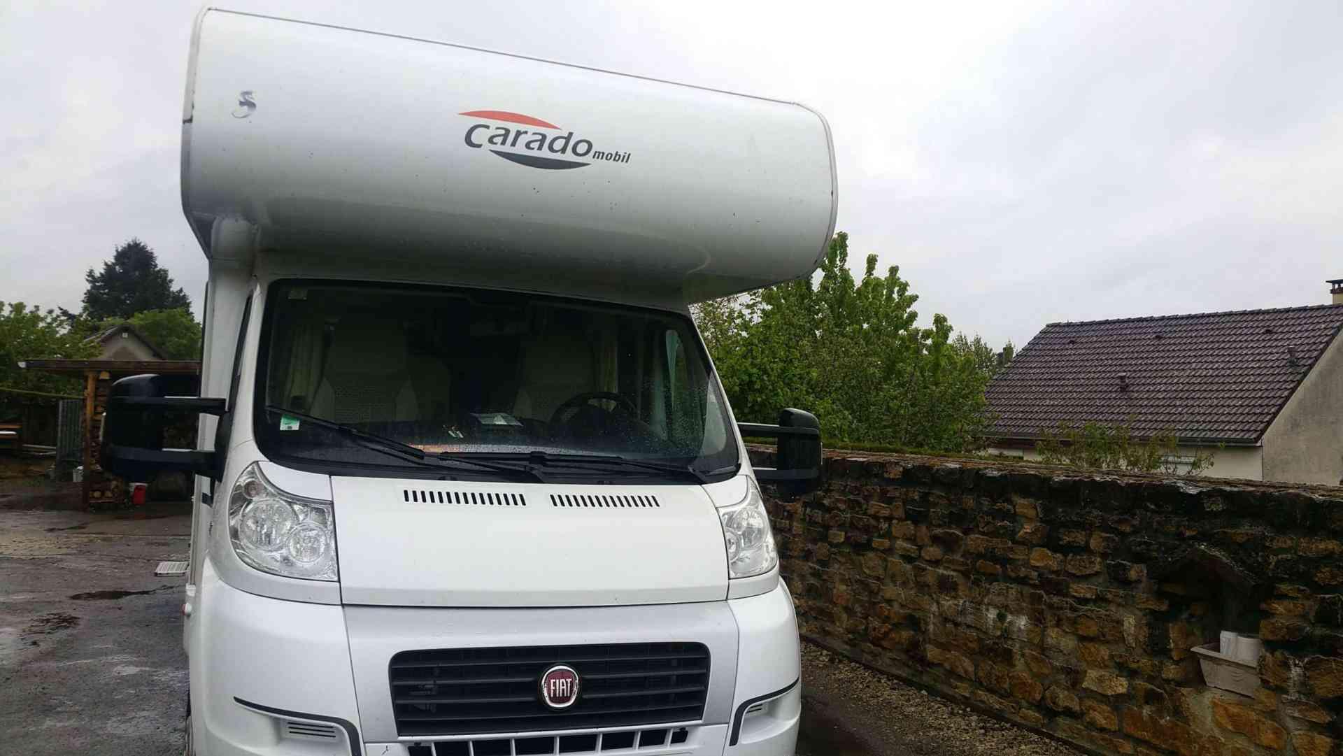 camping-car CARADO  A461