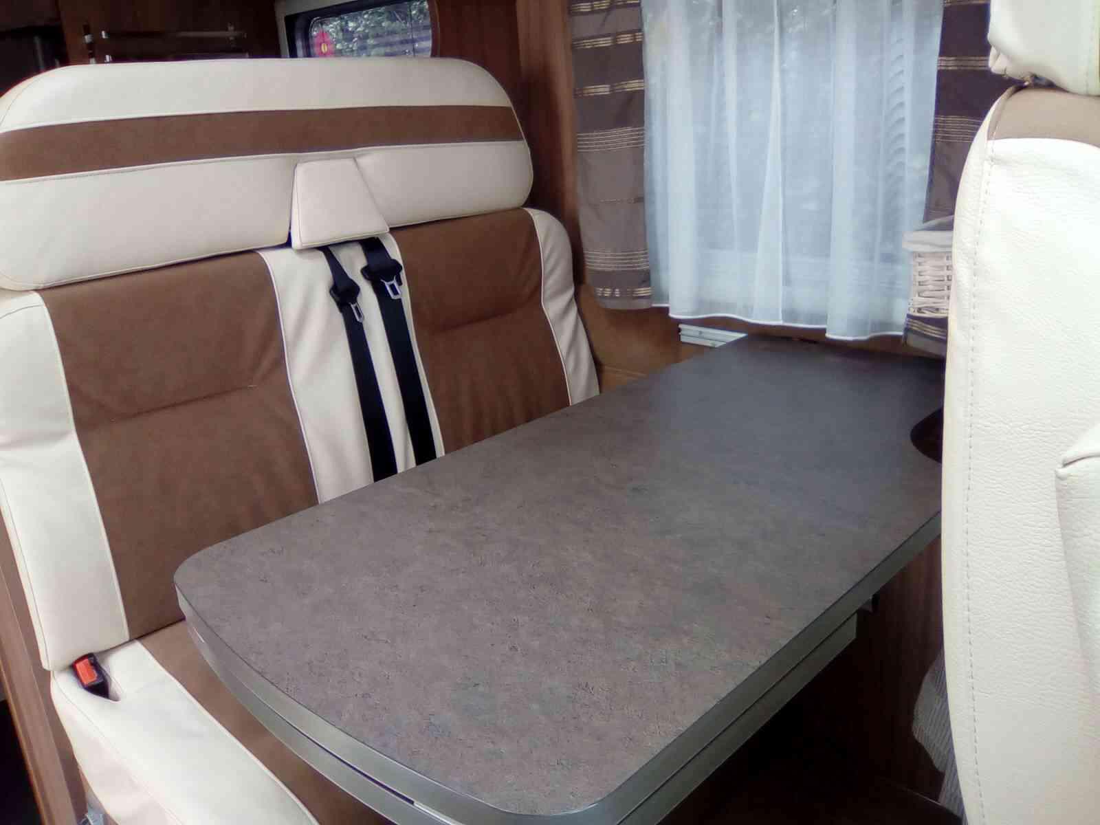 camping-car PILOTE P690