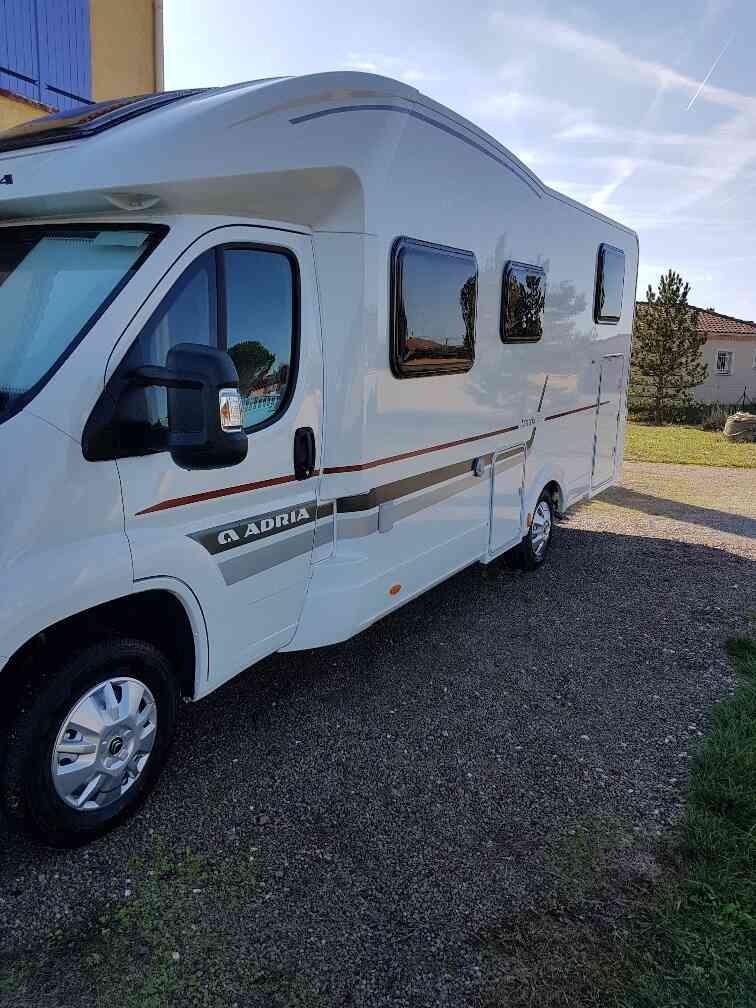 camping-car ADRIA MATRIX AXESS 670 SL profil