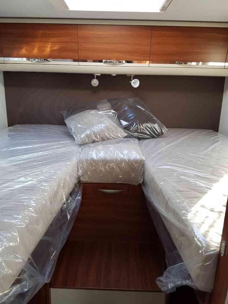 camping-car ADRIA MATRIX AXESS 670 SL lit