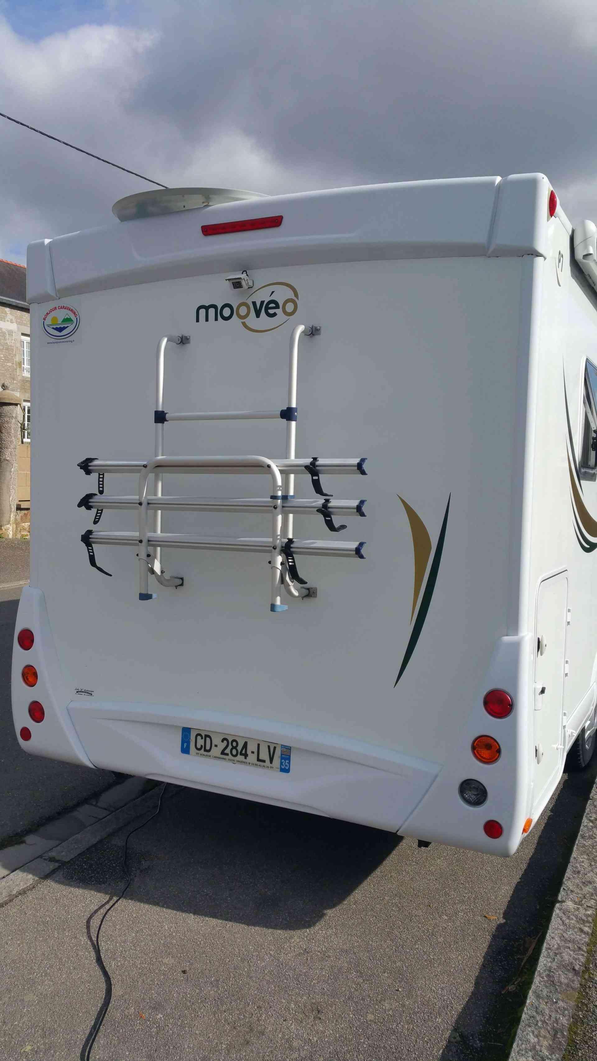 camping-car MOOVEO P007