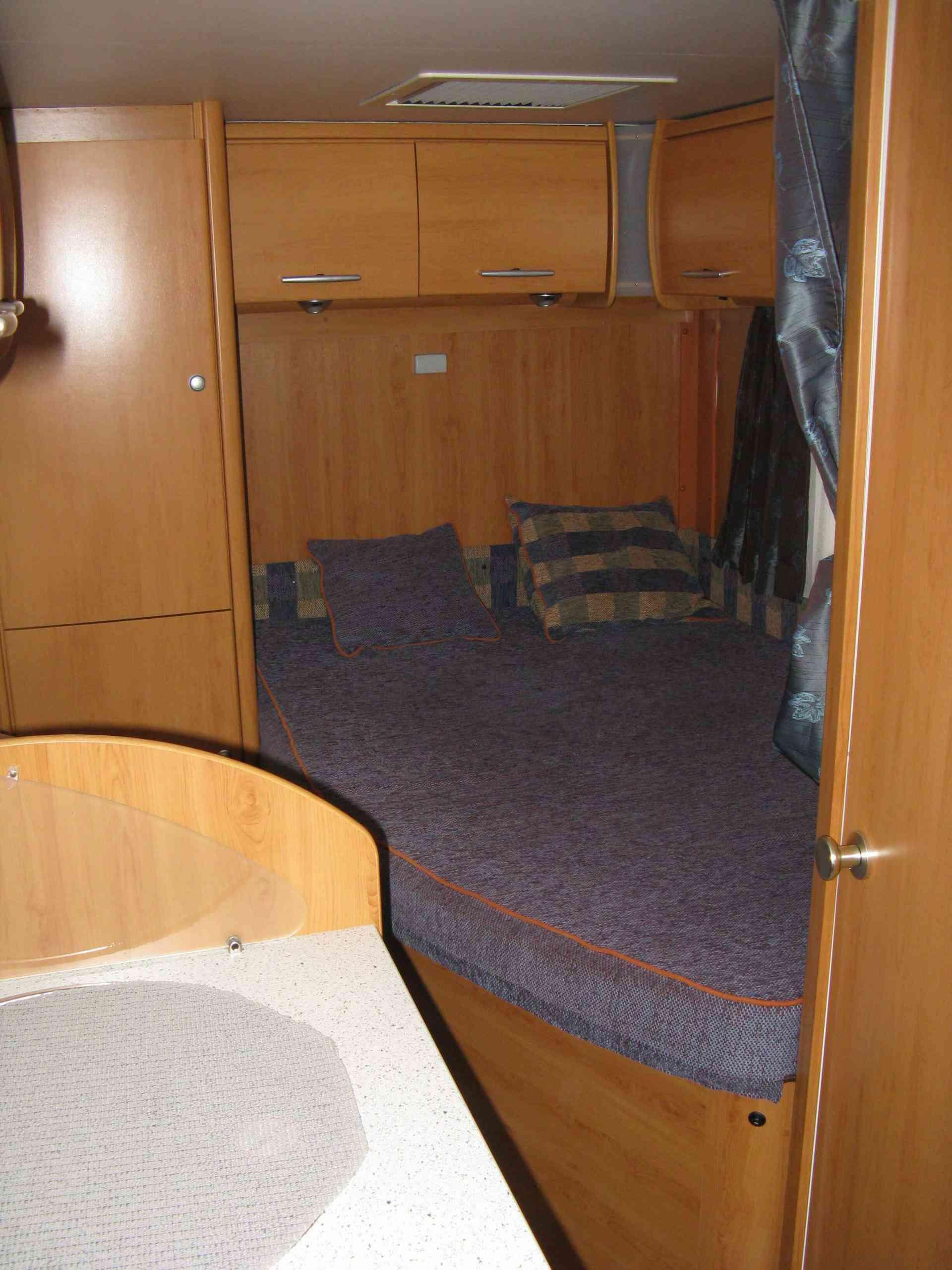 camping-car ERIBA VAN 576