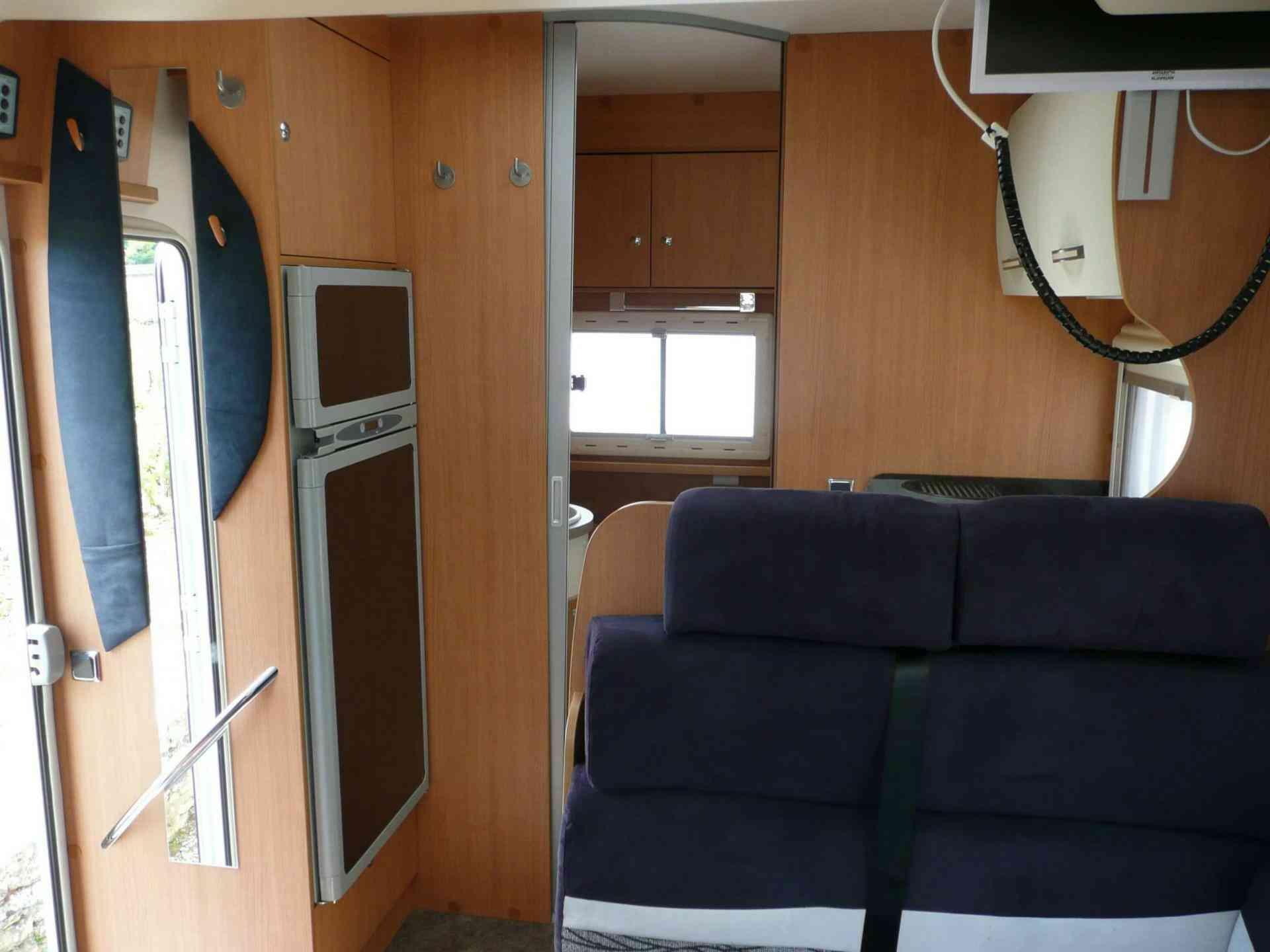 camping-car CHALLENGER GENESIS 30