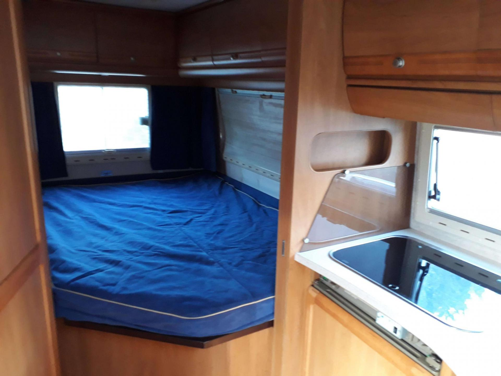 camping-car ESTEREL MANATTHAN