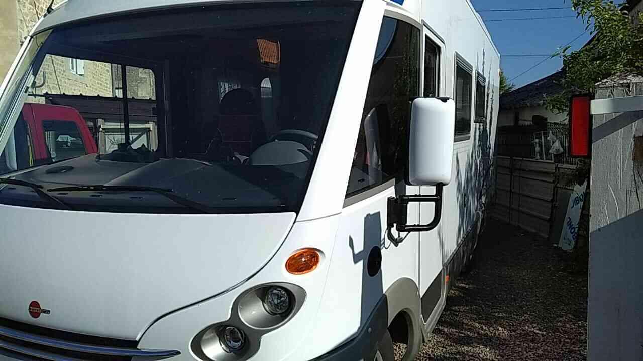 camping-car BURSTNER ELEGANCE I 685