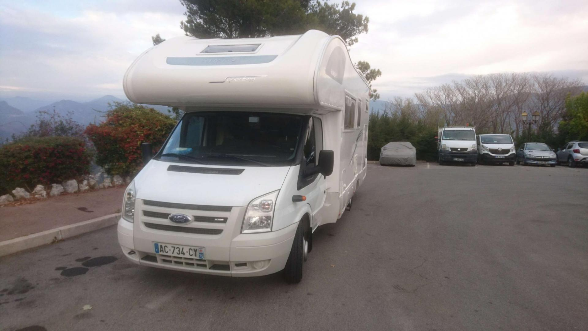 camping-car RIMOR SUPERBRIG 677