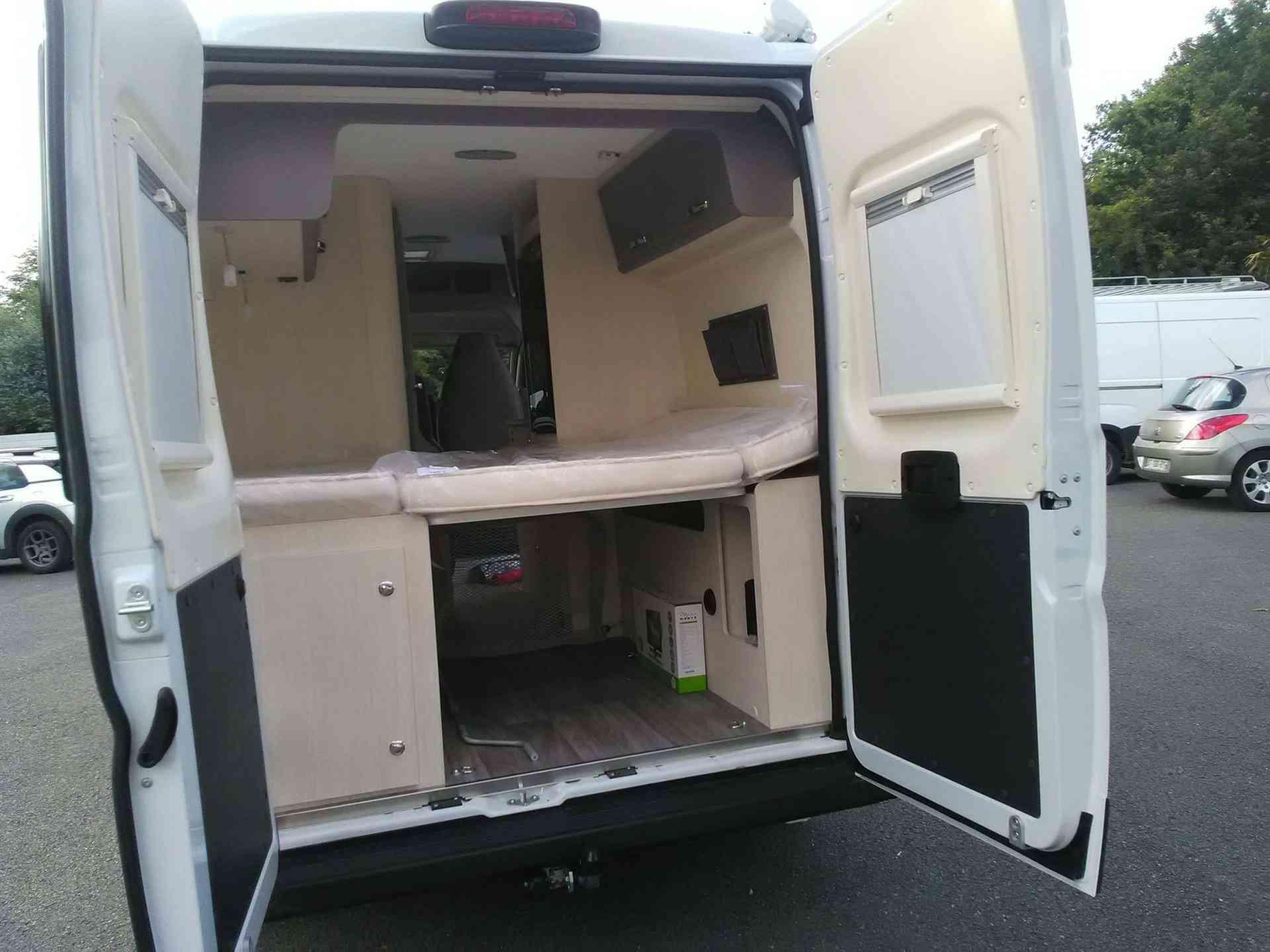 camping-car CHAUSSON TWIST 594