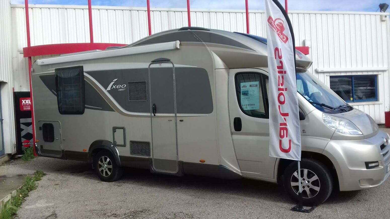 camping-car BURSTNER IXEO