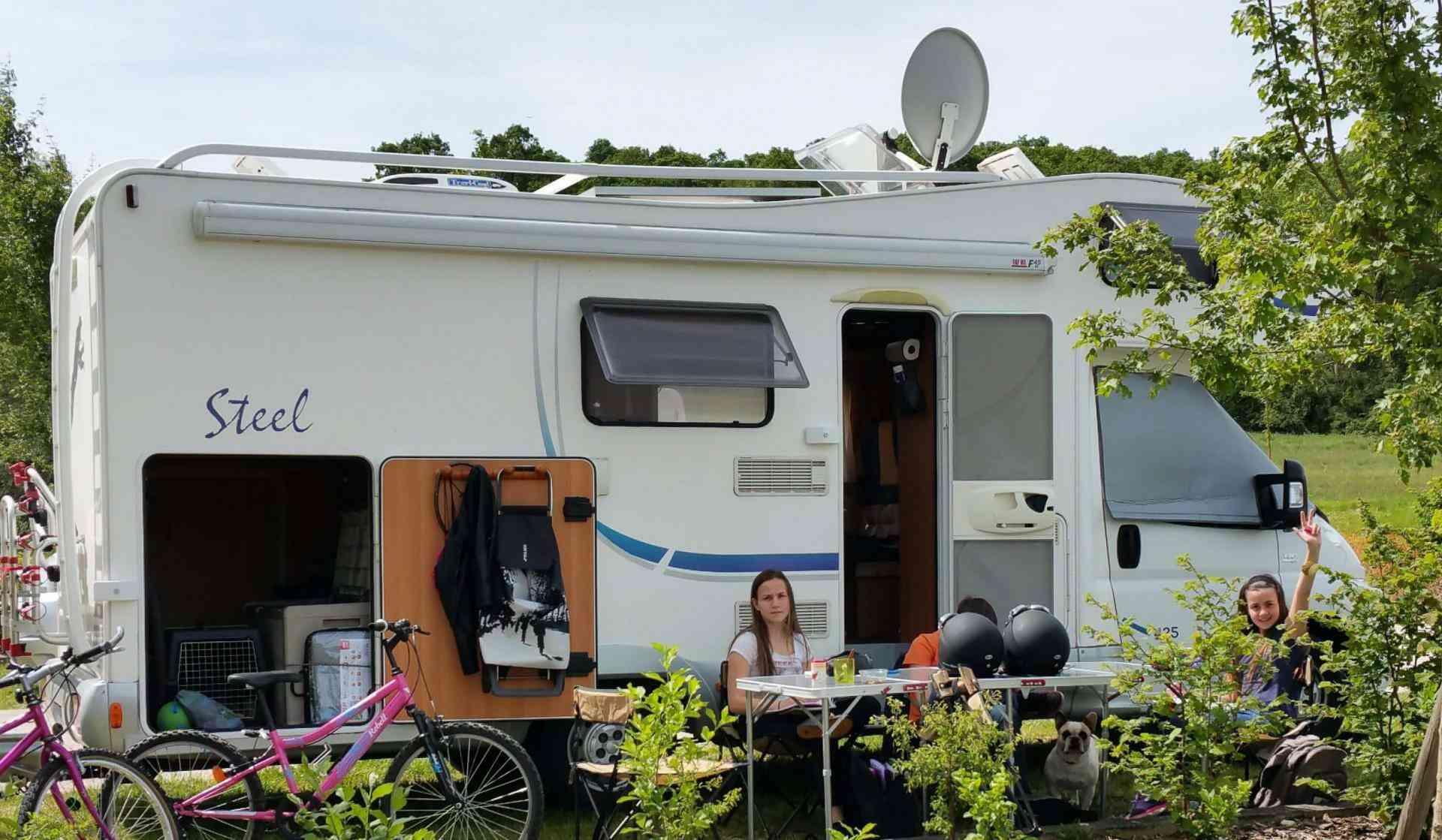 camping-car MC LOUIS STEEL 425