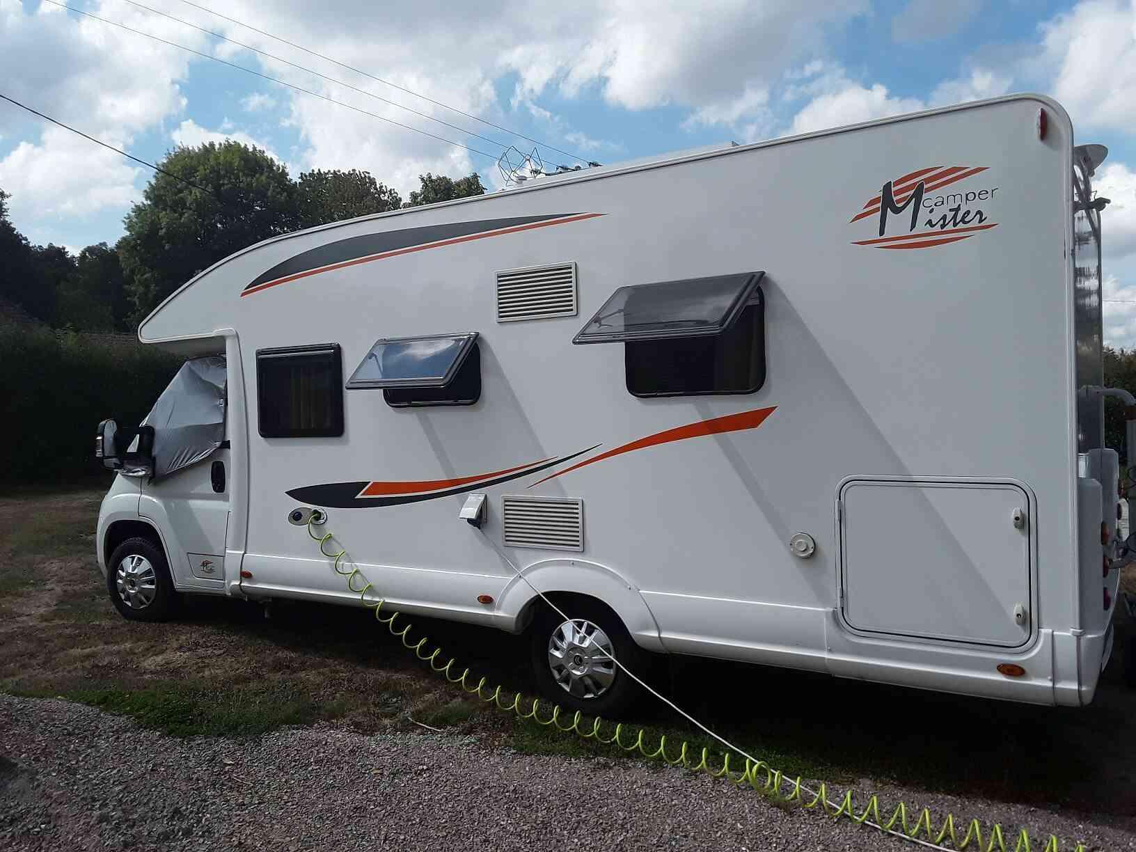 camping-car PLA MISTER CAMPER 390