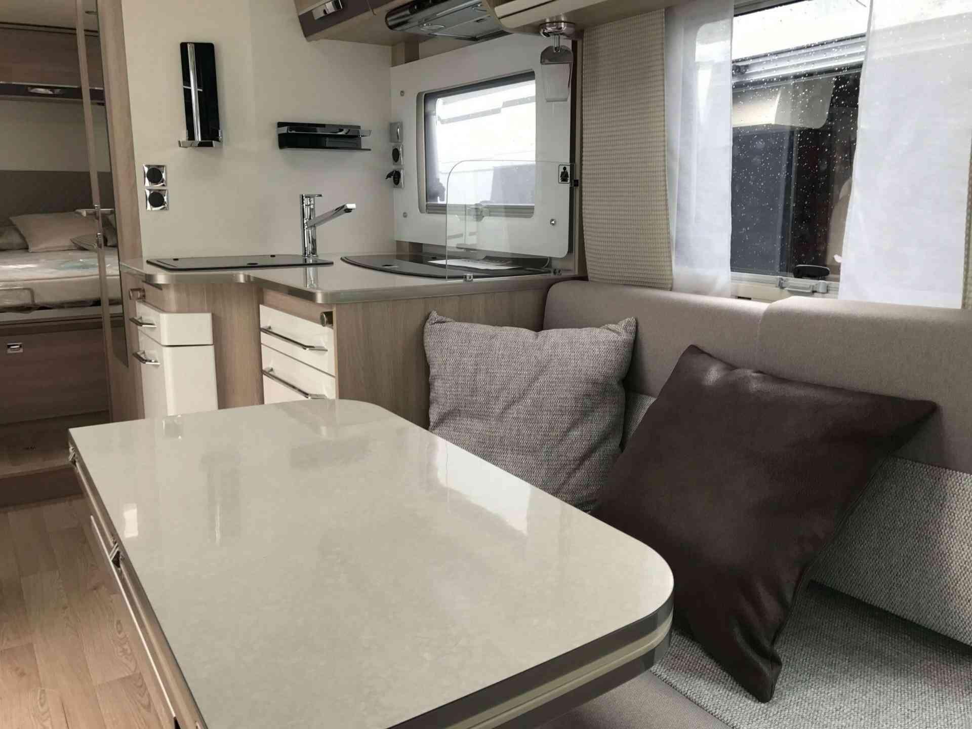 camping-car RAPIDO 896 F