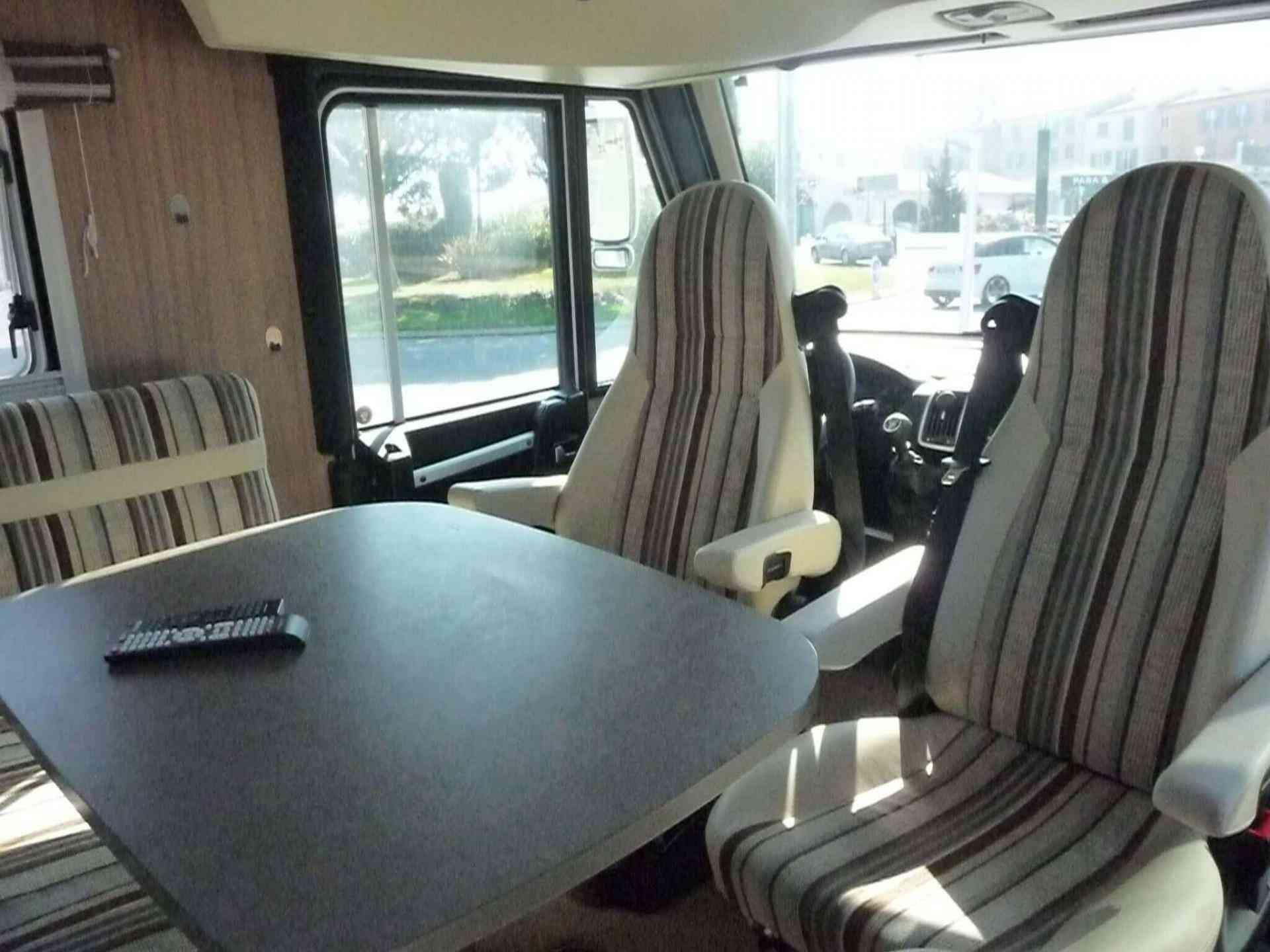 camping-car PILOTE G 740