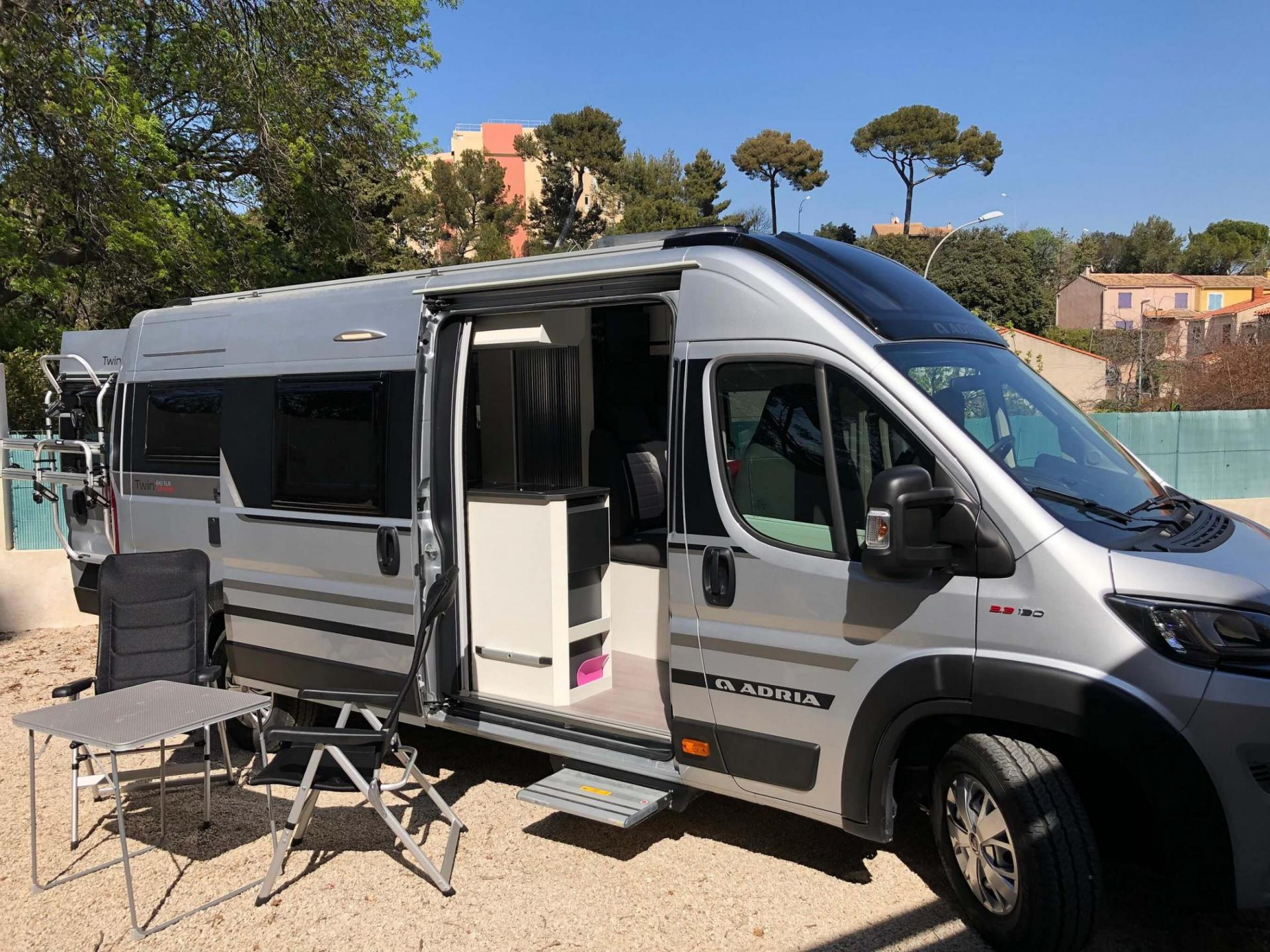 camping-car ADRIA TWIN SUPREME 640 SLB