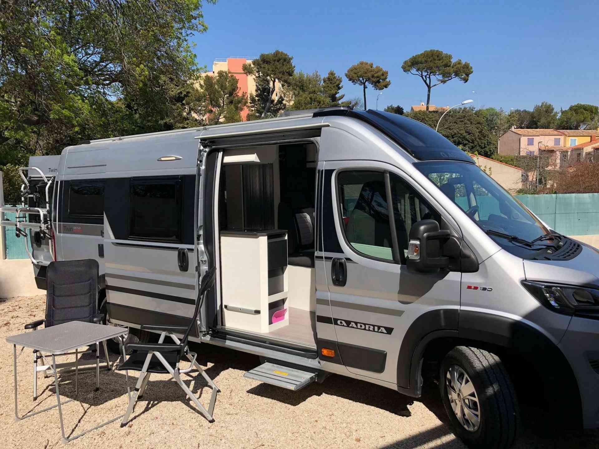 camping-car ADRIA TWIN SUPREME 640 SLB
