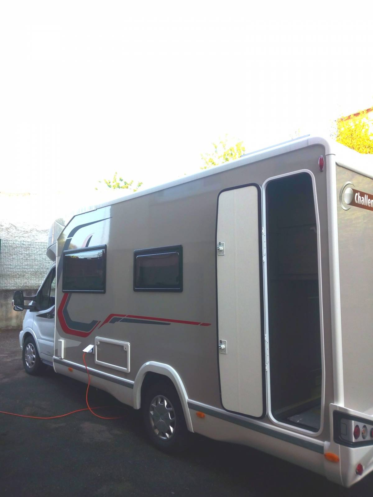 camping-car CHALLENGER 260 GRAPHITE EDITION BVA